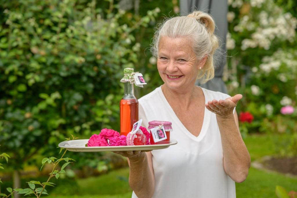 Rosen Marmelade und Rosen Sirup aus eigener Herstellung.